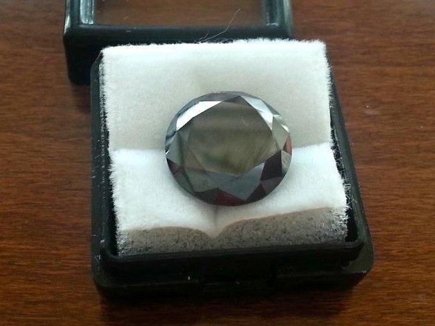 E-shop nabízel falešné diamanty.