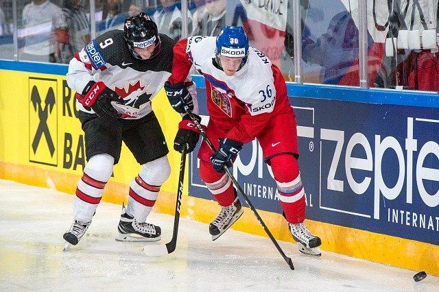 Jakub Krejčík a Matt Duchene