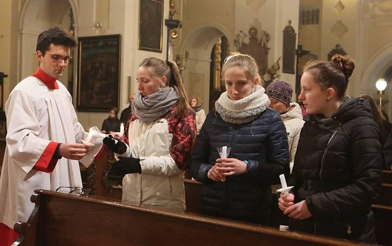 Kostelník Antonín Štěpanovský na archivním snímku při velikonoční mši