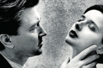 """Portrét. David Lynch se svou """"loutkou"""" Isabellou."""