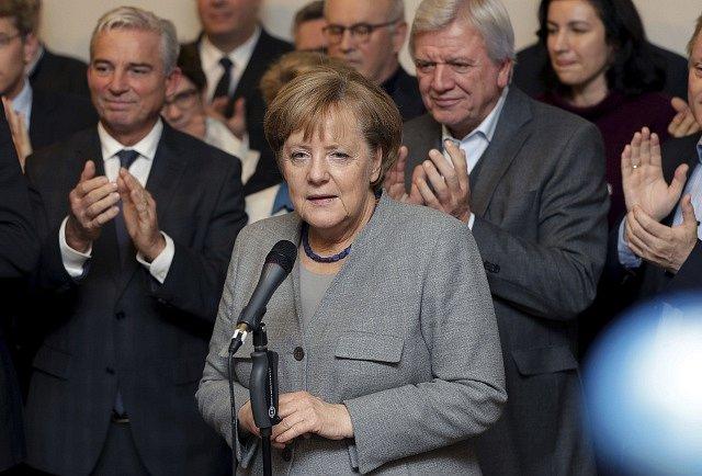 Angela Merkelová na tiskové konferenci kvůli jednání o sestavení vlády v roce 2017. Tehdy krachla jednání se zástupci Zelených.
