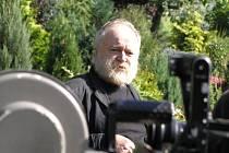Filmař Karel Vachek obdržel letos Cenu Andreje 'Nikolaje'  Stankoviče za filmový román Tmář a jeho rod aneb Slzavé údolí pyramid.