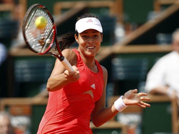Ana Ivanovičová nedala v osmifinále Roland Garros Petře Cetkovské žádnou šanci.