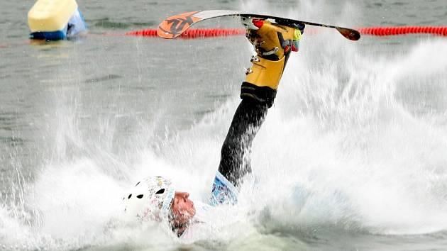 Akrobatické lyžování - ilustrační foto