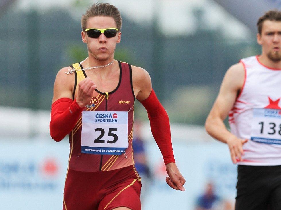 Pavel Maslák ovládl na mistrovství ČR sprint na 200 metrů.