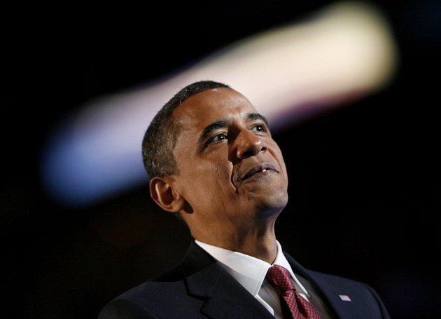 Barack Obama jasně vede v průzkumech veřejného mínění nad Johnem McCainem. Vyplývá to z poslední ankety, kterou ve středu zveřejnil list Washington Post.