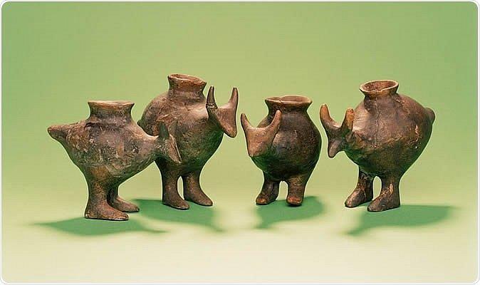 Kojenecké lahve z pozdní doby bronzové, nalezené v dětských hrobech