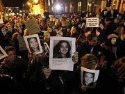 Irové demonstrují za zmírnění podmínek pro potrat