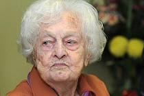 V domově pro seniory v Jirkově na Chomutovsku zemřela v pátek nejstarší občanka České republiky Marie Třešňáková.