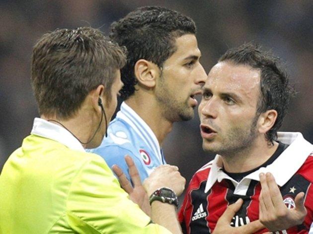 V duelu AC Milán s Neapolí několikrát vzplály vášně.