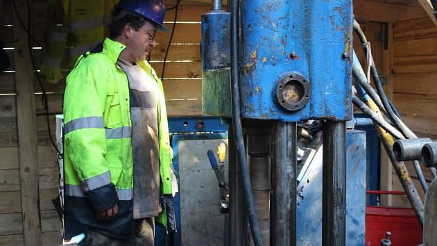Lithium na Cínovci - průzkumné vrty