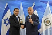 Guatemalský prezident Jimmy Morales a izraelský premiér Benjamin Netanjahu