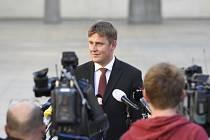 Tomáš Petříček po schůzce s prezidentem Milošem Zemanem.