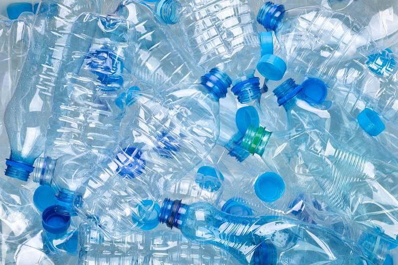 Mikroplasty ve vodě