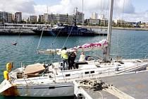 Španělská policie objevila na palubě zadržené české plachetnice o 230 kilogramů kokainu více, než původně odhadovala.