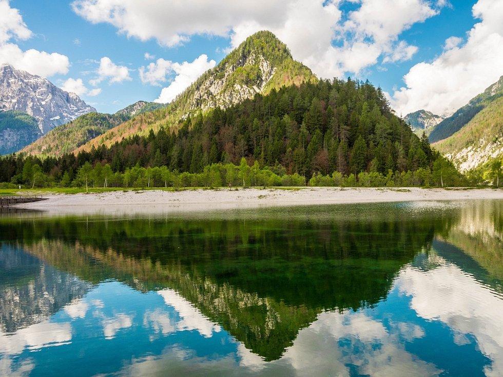Slovinský národní park Triglav nabízí pohled na alpskou přírodu.