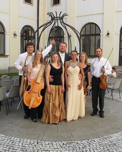 V sídle telčských památkářů vystoupí Ensemble serpens cantat