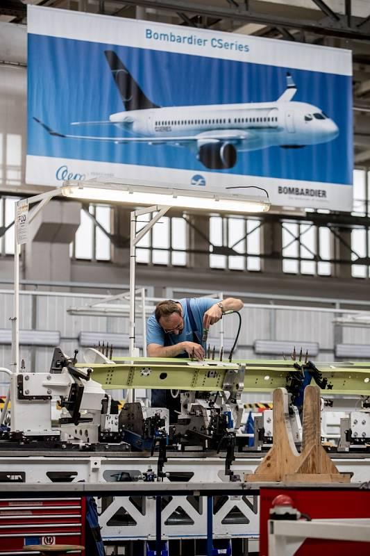 Výrobní hala pro letouny společnosti Aero Vodochody.