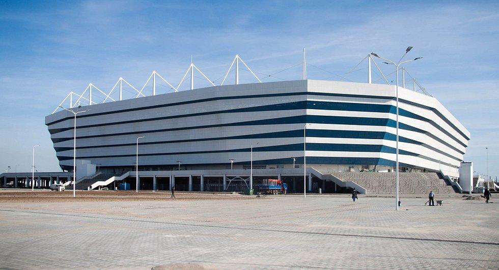 Kaliningrad stadion (Kaliningrad, 35 000 diváků). Další z nových arén na ruské půdě, která bude po šampionátu sloužit k zápasům domácí ligy. Vzdálenost 45 kilometrů od polských hranic z něj činí nejbližší stadion pro české fotbalové fanoušky.