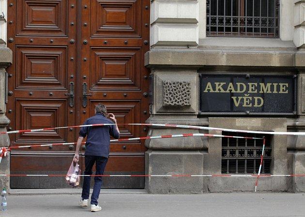 Den po výbuchu plynu v Divadelní ulici a okolí.