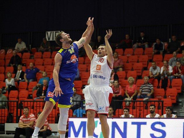 Basketbalisté Nymburka začali ligovou sezonu dobře
