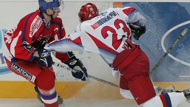 Radek Philipp (vlevo) v dresu české hokejové reprezentace.