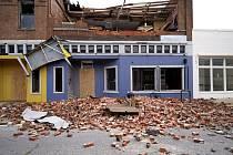 Následky úderu  hurikánu Laura ve městě Lake Arthur v americkém státě státě Louisiana, 27. srpna 2020