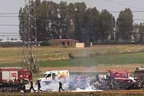 Havárie vojenského nákladního letadla si vyžádala lidské životy.