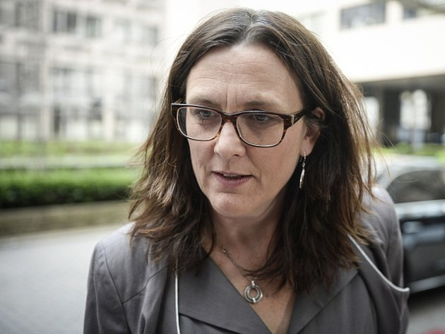 Dlouhodobým řešením sporů mezi investory a státy by mohlo být zřízení speciálního mezinárodního soudu, navrhuje evropská komisařka pro obchod Cecilia Malmströmová.
