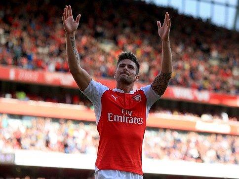 Olivier Giroud a jeho radost po výhře Arsenalu