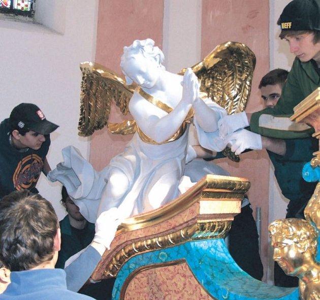 Oltář v Jiljí ve Dvorcích