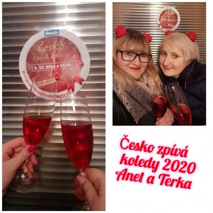 """""""Zasílám Vám fotografie ze zpívání Česko zpívá koledy 2020 z balkona a s mojí nejlepší kamarádkou,"""" napsala Tereza Marincová"""