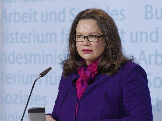 Nahlesová dlouhodobě říká, že uplatnění uprchlíků na pracovním trhu je klíčový předpoklad pro to, aby se mohli integrovat do německé společnosti.