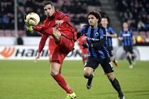 Filip Novák (vlevo) v utkání Evropské ligy proti Bruggám