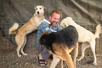 Pen Farthing se svými psy v afghánském Kábulu