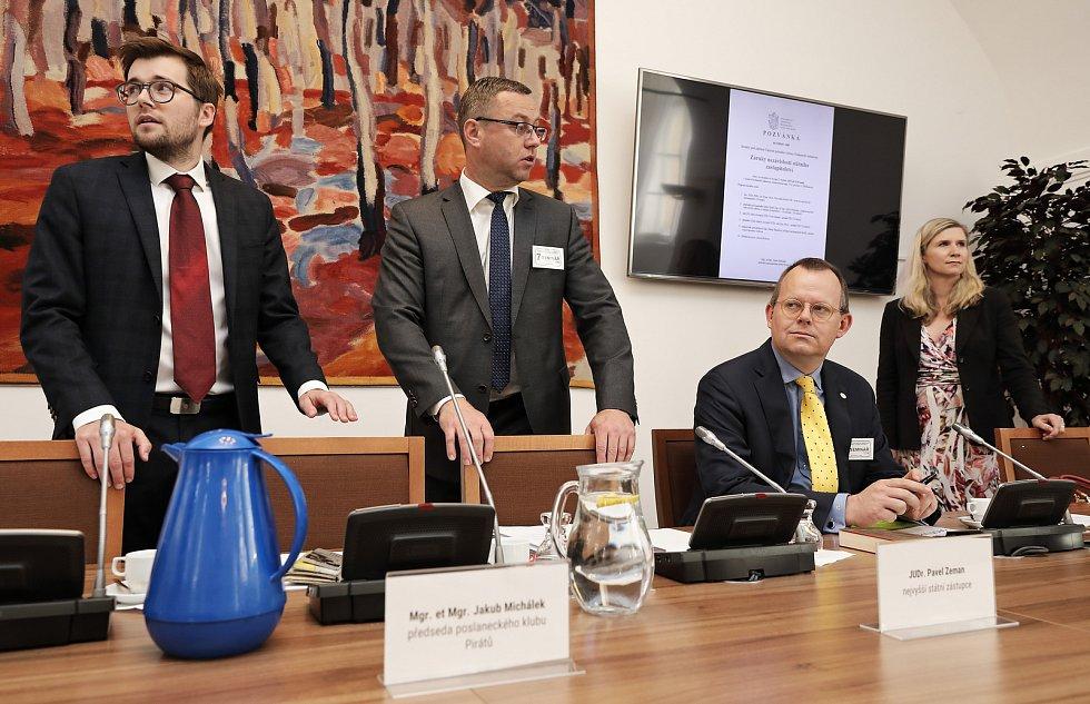 Kulatý stůl - Záruka nezávislosti státního zastupitelstva v Konírně Poslanecké sněmovny.