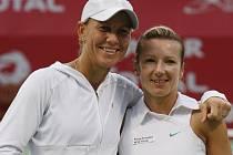 Květa Peschkeová a Rennae Stubbsová získali první společný deblový titul v letošní sezoně.