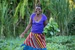 Young Women's Grassroots Action on Climate Change. Organizace CAMFED poskytla trénink mladým ženám z vesnických komunit, aby se staly ambasadorkami udržitelného zeměděství. Díky tomu se informace o tom, jak šetrně a efektivně hospodařit se zemí, dostaly u