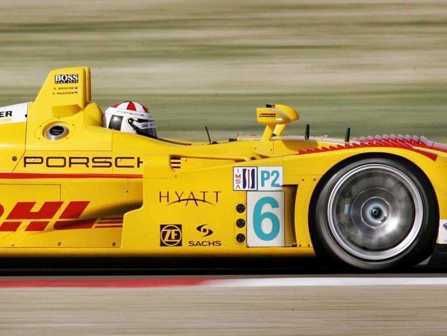Vítěz Sascha Maassen ve voze Porsche RS Spyder týmu Penske Racing.