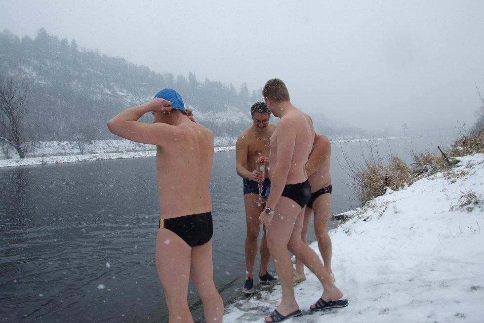Jeden z nejjednodušších a nejlevnějších způsobů, jak předcházet nemocem, je nechat na sebe působit studenou vodu