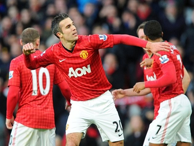 Kanonýr Manchesteru United Robin van Persie se raduje z gólu proti Sunderlandu.