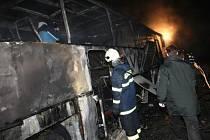 Požár autobusu - ilustrační foto