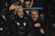 José Mourinho se raduje z klíčového gólü Interu proti Chelsea.