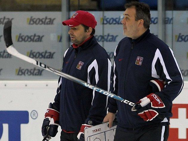 Asistenti Josef Jandač (vlevo) a Ondřej Weissmann.