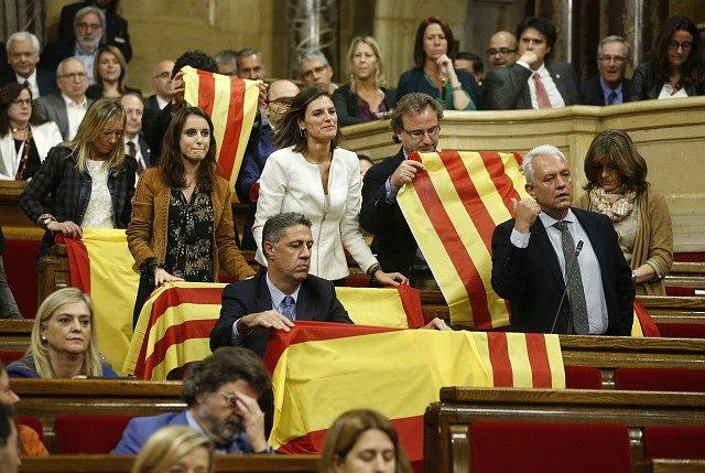 Katalánsko vyhlásilo nezávislost: katalánský parlament