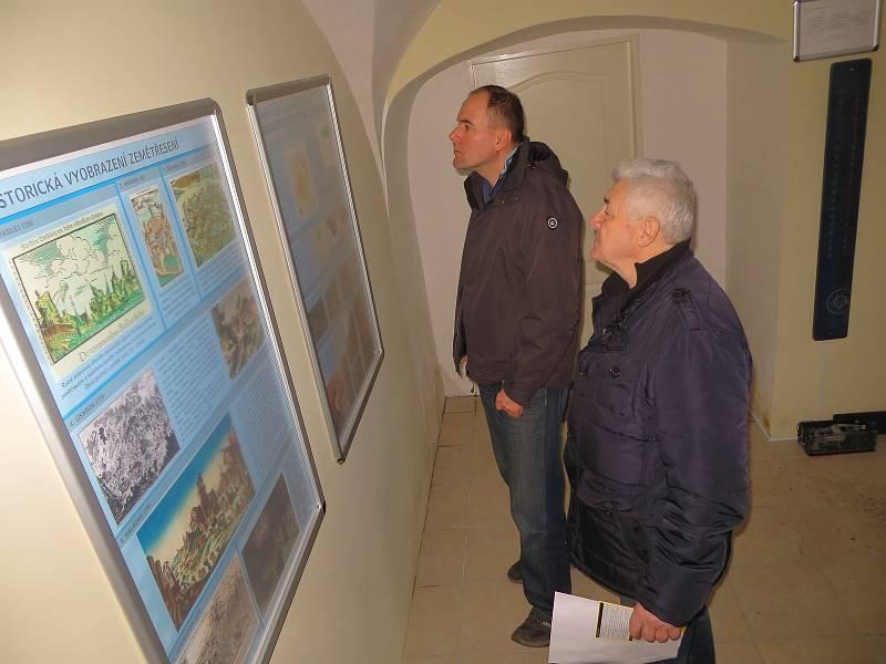 Seismologické muzeum ve Skalné láká každoročně několik desítek lidí k návštěvě. prohlédnout si zde lidé mohou například historické seismometry.