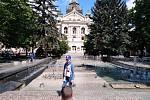 Zpívající fontána u košického divadla je přímo v samém středu historické části města