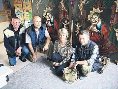 Zrestaurovaný obraz Panny Marie Pomoccné si mohou lidé prohlédnout vždy v sobotu v kláštere v Teplé, kdy se koná tradicní mše.