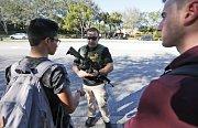 Střelba na floridské škole.