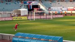 Šlágr nejvyšší slovenské soutěže mezi Slovanem Bratislava a Dunajskou Stredou rozhodla kuriózní trefa domácího celku.